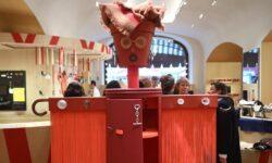 Дом Hermes показывает в Москве выставку изделий из отходов производства