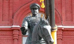 Памятник Жукову отреставрировали и вернули на место - The Art Newspaper Russia