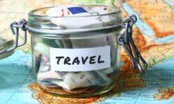 Россияне рассказали, сколько они готовы потратить во время путешествия за границу