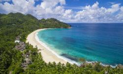Российские туристы смогут въехать на Сейшелы без вакцинных паспортов