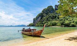 Таиланд сократит срок карантина для привитых туристов