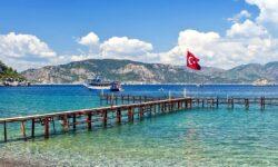 Россияне стали меньше покупать туры в Турцию
