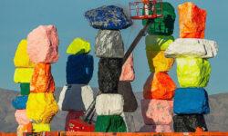 «Семь волшебных холмов» Уго Рондиноне в пустыне Невада снова отреставрируют - The Art Newspaper Russia